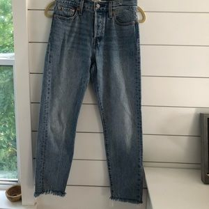 Levis Wedgie Shut Up 100% cotton jeans size 26